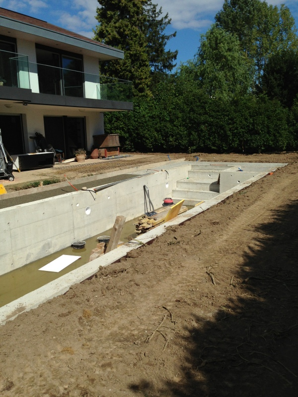 construction-piscine-beton3